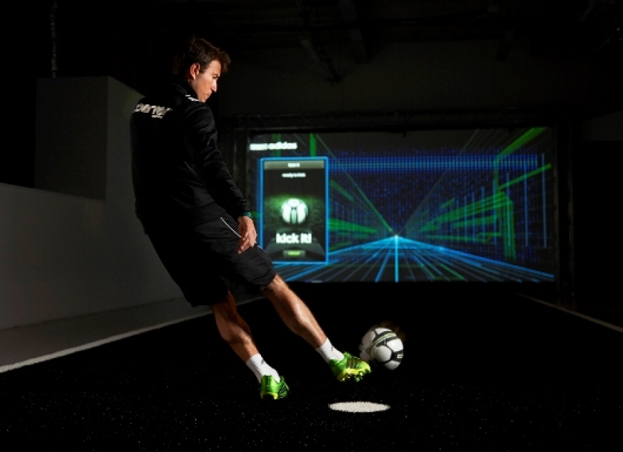 COERVER COACHING ASSIST AT THE ADIDAS LAB – UCL FINAL 2013